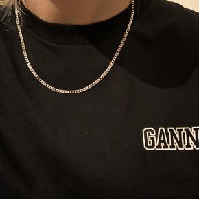 Sælger denne halskæde som minder om Camille Brinchs panzer.  Den er 50 cm lang   Bytter ikke