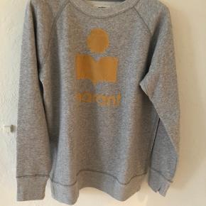 Milly sweatshirt.  Grå med okker velour print.  Fransk str. 44 (42/large) Længde 70 cm Brystvidde 55 cm