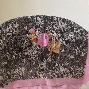Så fint silketørklæde (100% silke) 1 x 1 meter