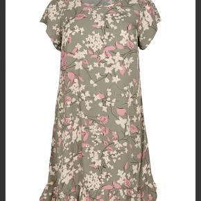 Nanna XL kjole