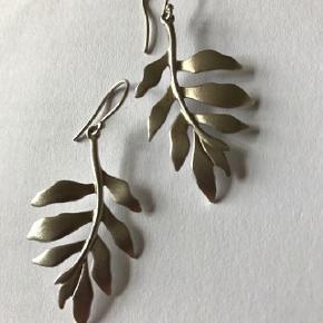 Smukke Julie Sandlau Øreringe Tree of Life i Sølv