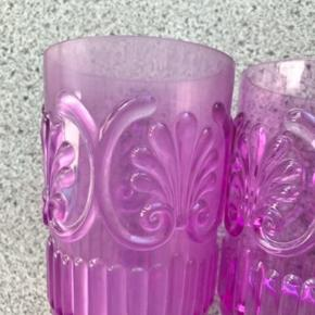3 plastik glas