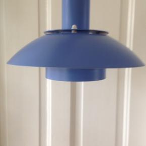 E.S. Horn loftslampe.  Fin lille lilla lampe i fin stand.  Ø 25 cm.
