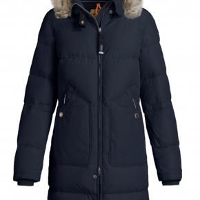 """Fedeste jakke fra parajumpers - desværre købt for lille.   Jeg synes simpelthen det er for synd at den hænger her og """"går til spilde"""" så nu sælger jeg den billigt!   Kvittering haves - nypris er 6500 kr."""