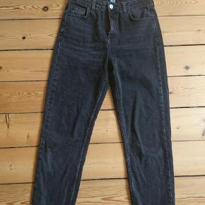 BDG urban outfitters W28 L34