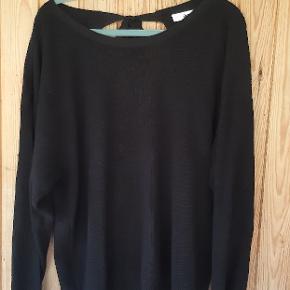 Lækker sweater str 42/44