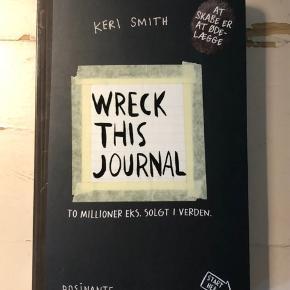 """Sælger denne """"Wreck this journal""""!💗 Aldrig brugt! Kom med et bud🤩 Skriv for flere billeder eller spørgsmål💖"""