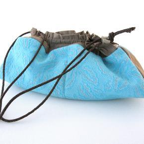 Taske købt i Fru Ø - Vintage i Hellerup i 1990'erne.
