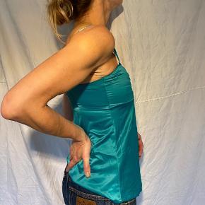 vintage 00'er y2k satin slip lingerie top 🧃🧃🧃