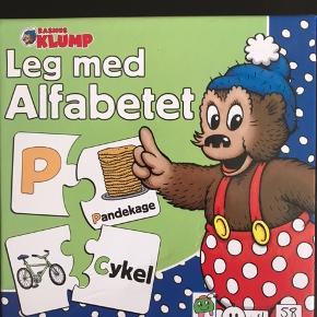 Leg med Alfabetet og staveleg med dyr.  Sælges for 25 kr pr. Stk.