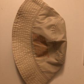 Divided hat & hue