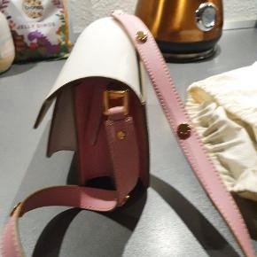 Marni anden accessory