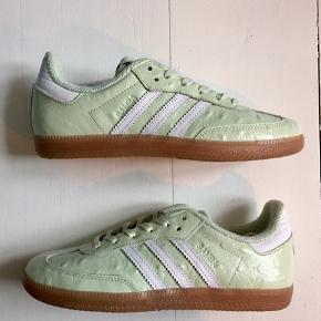 Adidas Consortium x Naked Samba.  Str 36 2/3 22,5 cm Nypris: 1.100 kr