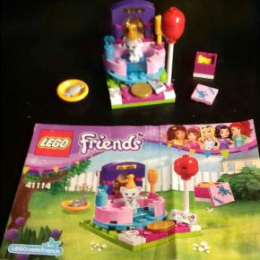 Lego friends fødselsdags kat sælges komplet. Kan hentes i Nibe for 15kr eller sendes på købers regning.