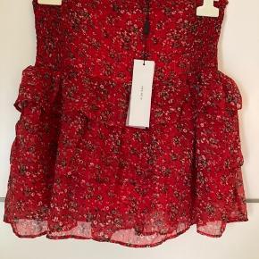 Den sødeste og smukkeste nederdel fra Neo Noir. Stadig med prismærke 🌸  #Secondchancesummer