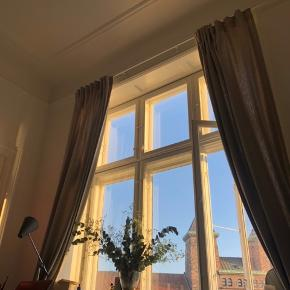 IKEA curtains, perfect condition. 2x curtains with hooks