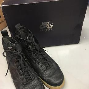 Nike SF af1 mid Nike air force 1  Sælges da de er for store og aldrig bliver brugt