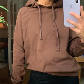 Hætte trøje brun