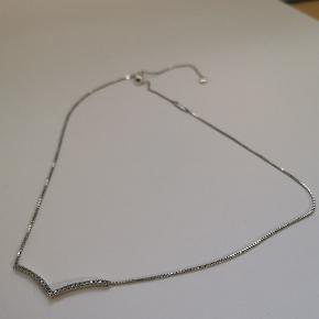 Pandora wishbone massiv sterling sølv halskæde.  Kan reguleres i længden så den passer perfekt til din hals.