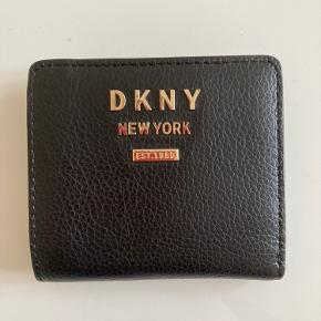 DKNY pung