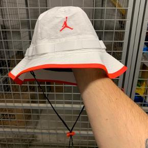 Air Jordan Hue & hat