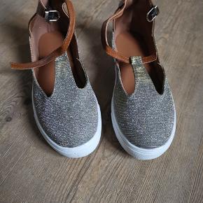 Fede sko der desværre er for små - aldrig brugt kun pakket ud