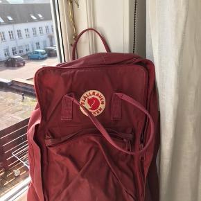 """a34f0851ae6 Sælger min fjällräven rygsæk i farven """"Ox red"""". Det er den største model"""