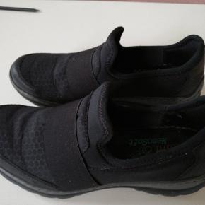 Bløde slip in agtige sorte Rieker sko med anti stress memory foam. Brugt enklete gange