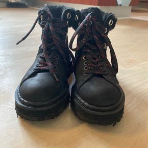 Flotte boots fra Won Hundred i læder.  Virkelig fin stand og kun brugt enkelte gange