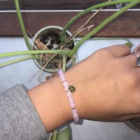 Smukt armbånd fra friihofsiig (Byd!)😍🌟