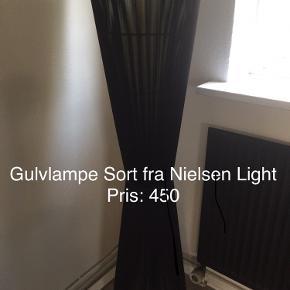 Gulvlampe fra Nielsen light Afhentes i Odense