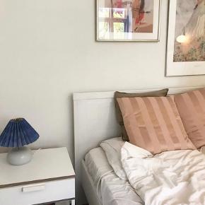 Sælger denne seng da jeg skal flytte - ingen tegn på slid og er kun brugt 1 år