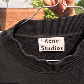 Acne Studios trøje i sort.  Tjek min profil for en masse annoncer fra bl.a. Ganni, Stine Goya, Acne, Mads Nørgaard mm