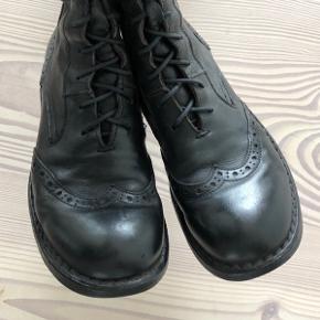 Gmb;) -men stadig fine. Købt i Scarpa: Italienske MDMA støvler.  Kommer fra røg og dyre frit hjem.