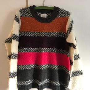 Super lækker sweater i gode garnkvaliter.