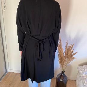 Monki trenchcoat