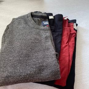 Lækre bluser fra blend og Jack and jones.  Farven snuder på billedet, de er helt sorte uden at være forvaskede.  Pakken indeholder: 1 strik i grå/sort. 1 sort langærmet bluse med hvid skrift. 2 t-shirts, sort og mørk rød.