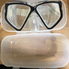 Dykkerbriller sælges da de ikke længere bruge.   Kan ikke huske brand eller eksakt str.   Tjek mine andre annoncer - sender samme dag ✌🏻🥳