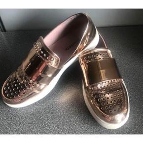 Flotte rosegold Bianco sneakers 💕   - str. 38 - flot metallic farve -  næsten som nye, brugt meget lidt og sparsomt   Nypris 599,-