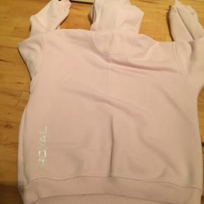 Royal hætte bluse str M i lyserød - kan sendes på købers regning - se også mine andre annoncer