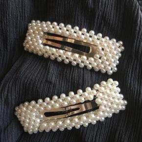 De lækre, populære perlespænder  2 for 80 sender gerne