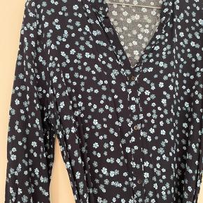 Skjortekjole med aftageligt bindebånd
