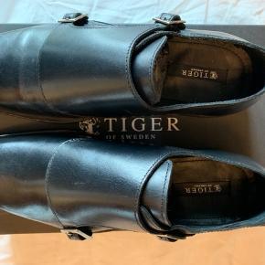 Sælger disse sko fra Tiger of Sweden i str 38. De aldrig brugt, og har stadig prismærke på
