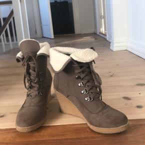 Støvler fra defeet. Aldrig brugt.