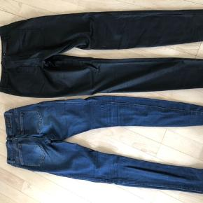 Sorte og mørke slim jeans . Sælges samlet
