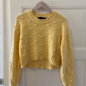 Sød sweater fra Designers Remix. Er aldrig brugt. Sælges billigt!