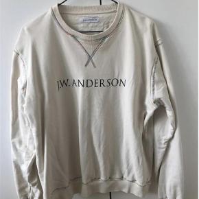 Varetype: Trøje Farve: Hvid Oprindelig købspris: 2300 kr.