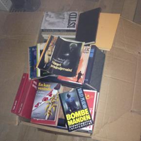 En flyttekasse fuld af bøger