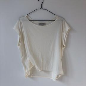All Saints Pina T-shirt in chalk white in almost brand new condition. Never been worn and super soft material. Definitely a closet staple. Check out my other items for a bundle discount!