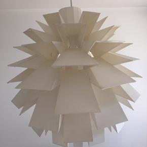 Den store model.  Lampeudtag og ledning medfølger